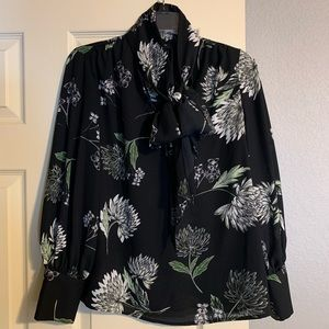 Who What Wear neck tie blouse in floral